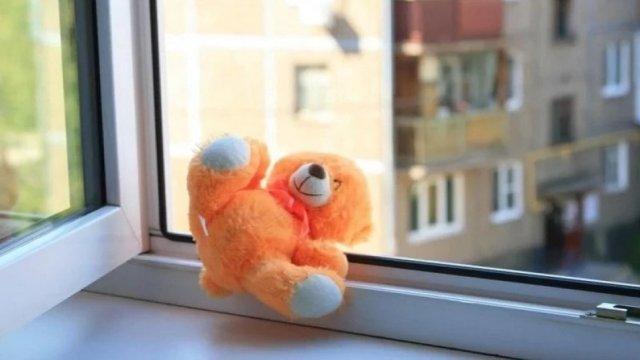 В Воронеже двухлетняя девочка погибла, выпав из окна восьмого этажа