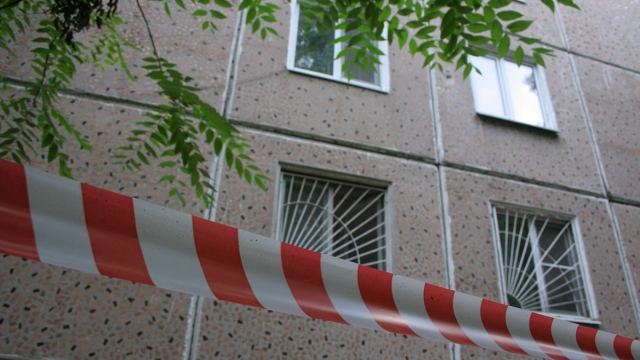 В Чебоксарах мужчина задушил собутыльника и сбросил его тело с балкона