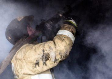 В Костроме на пожаре дома пострадал человек
