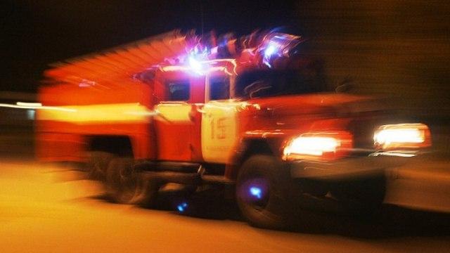 В Судиславле ночью вспыхнула иномарка