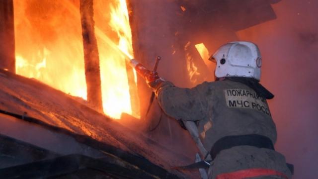 В Калужской области на пожаре дома погиб 59-летний мужчина