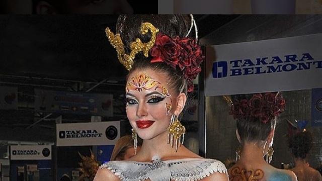 Двукратной чемпионкой мира OMC Hairworld в Париже стала многодетная россиянка