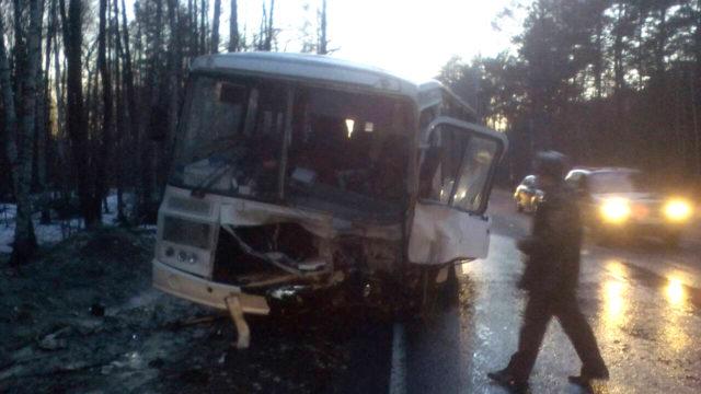 ВСудогодском районе столкнулся автобус с джипом