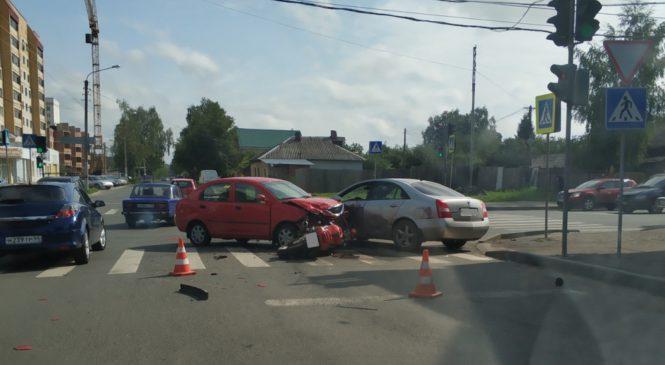 Тройное ДТП в Костроме: пострадал один человек