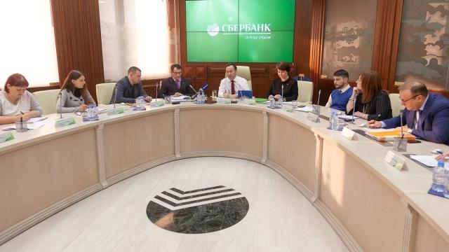 Председатель Центрально-Черноземного банка ПАО Сбербанк Владимир Салмин провел пресс-конференцию для журналистов региональных СМИ